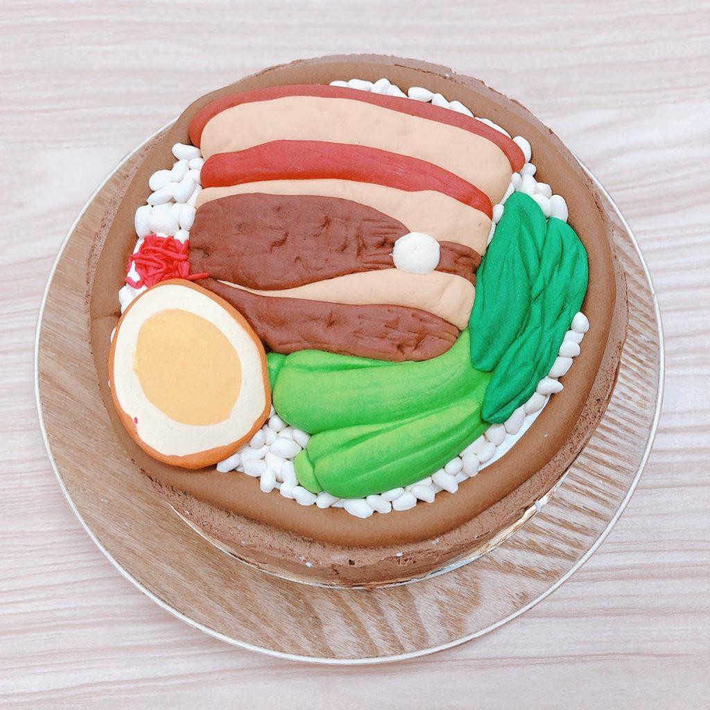 台灣食物客製化造型蛋糕,大碗的控肉飯啦~