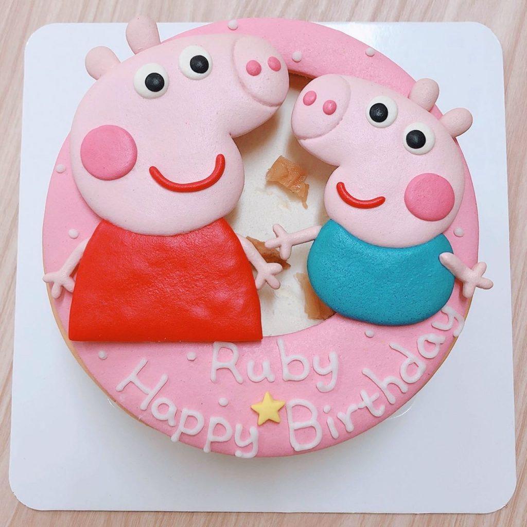 佩佩豬可愛造型蛋糕,卡通粉紅豬小妹生日蛋糕