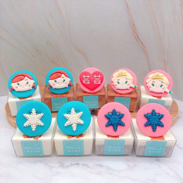 艾莎Elsa公主杯子蛋糕推薦,安娜公主造型杯子蛋糕手作分享